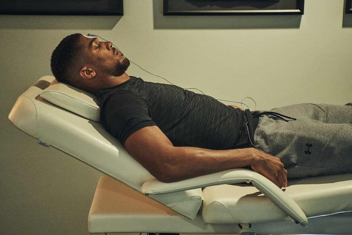 anthony joshua relaxing before a big fight