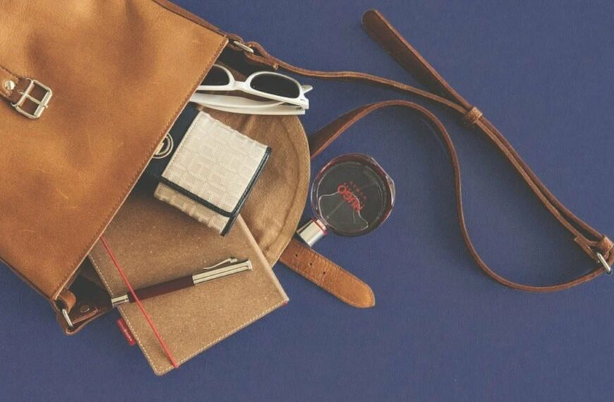 What Health Essentials Should You Have In Your Bag On The Go?