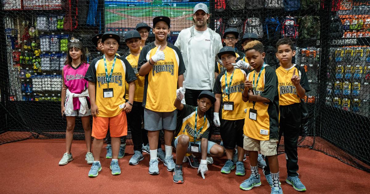 Bryce Harper Surprises Youth Baseball Team