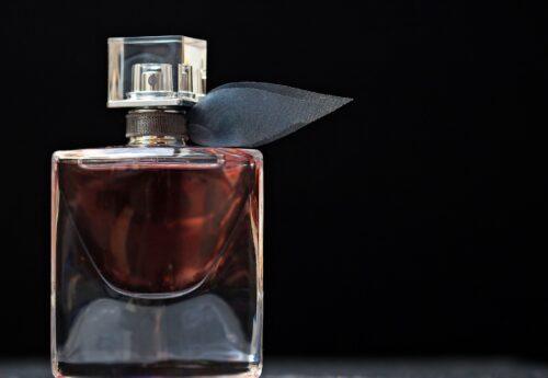 perfume 2142817 1920