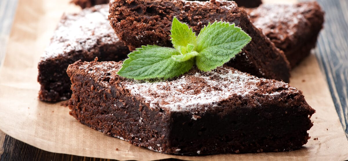 Looking for a Paleo Chocolate Fudge Bar Recipe – Look no further!