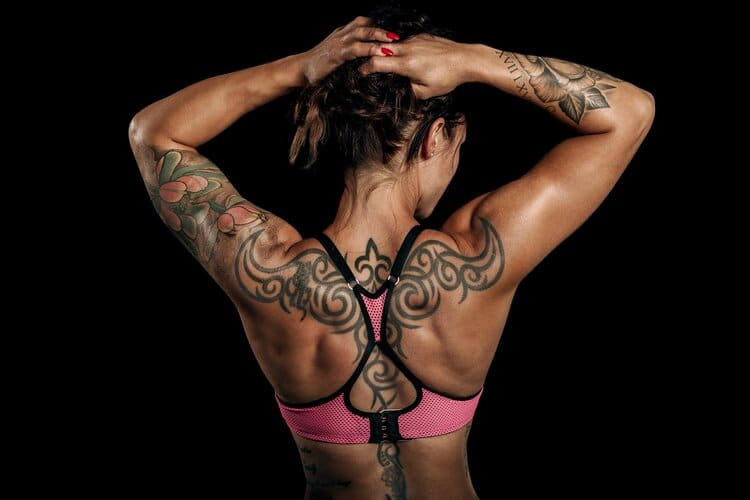 womanwithbacktattoos