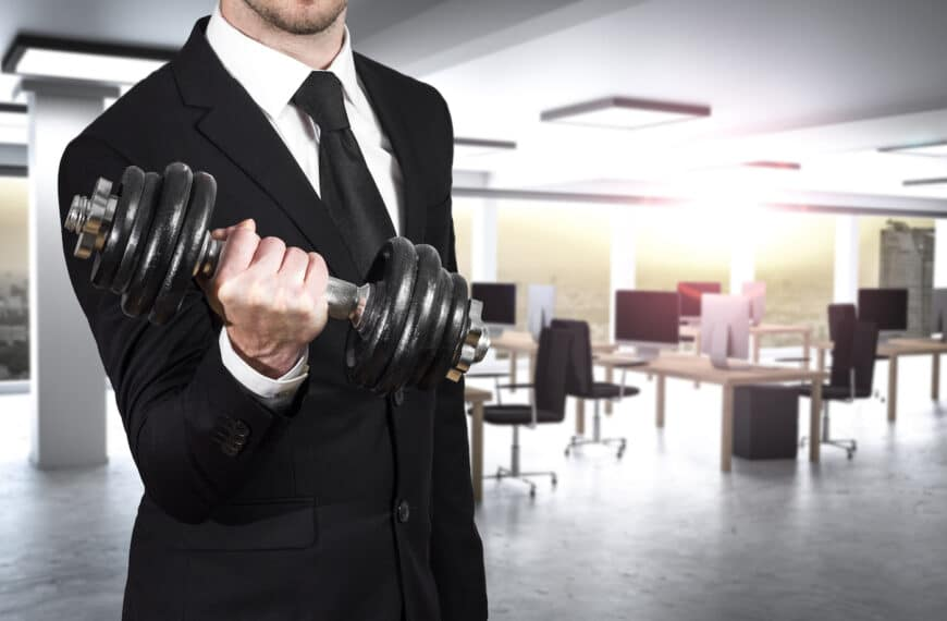 The Secret To Keeping Your Fitness On Point When You're Stuck In The Office