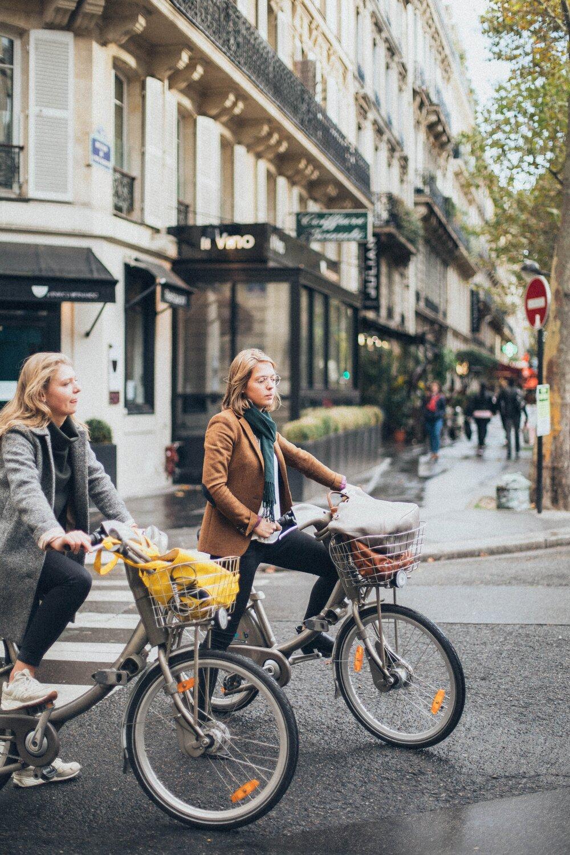 1 women riding bikes 1850629