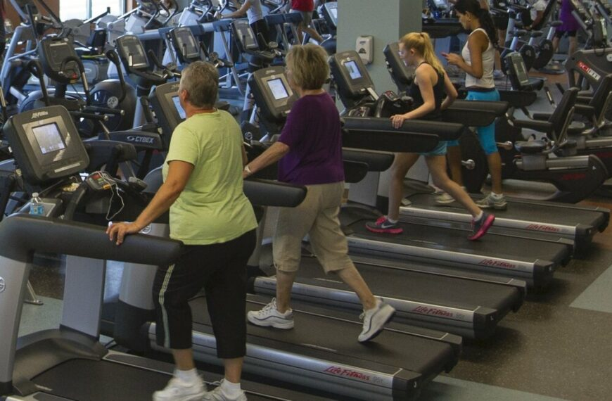 Exercising While Restricting Calories Could Be Bad for Bone Health
