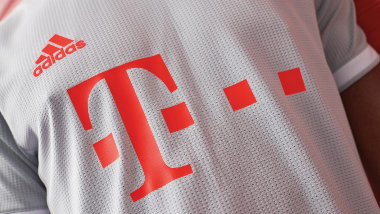 FC Bayern Munich 202021 Away Kit5