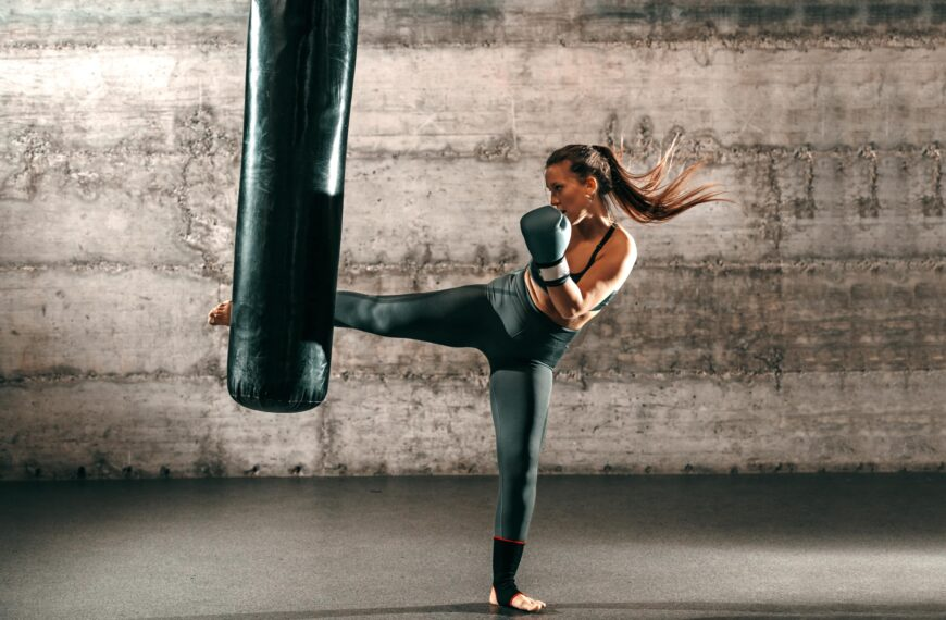 Here's Why You Should Get Into Kickboxing