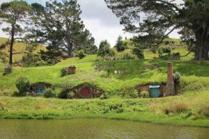 Hobbit LandscapeviaHolidu
