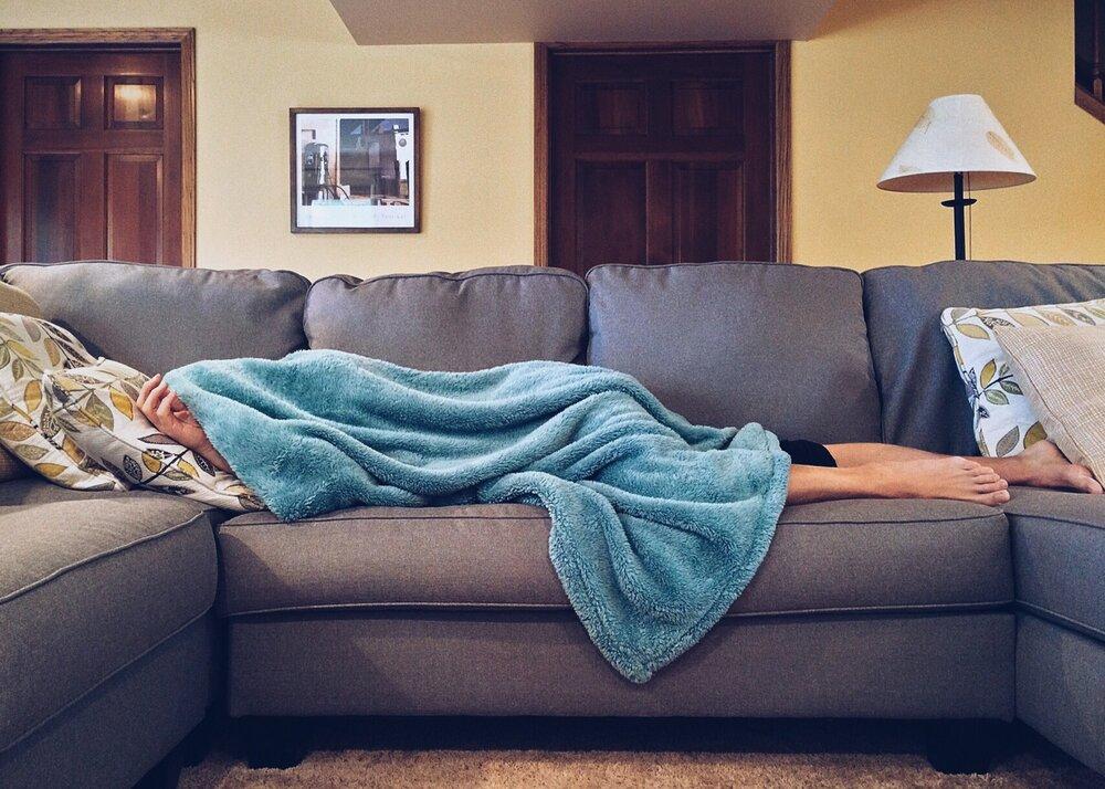 apartment bed carpet chair 269141