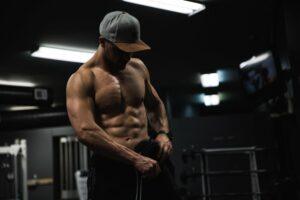 bodybuilderwearingcap