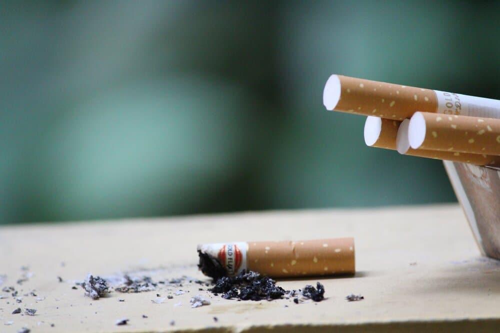 close up photo of cigarette 247040