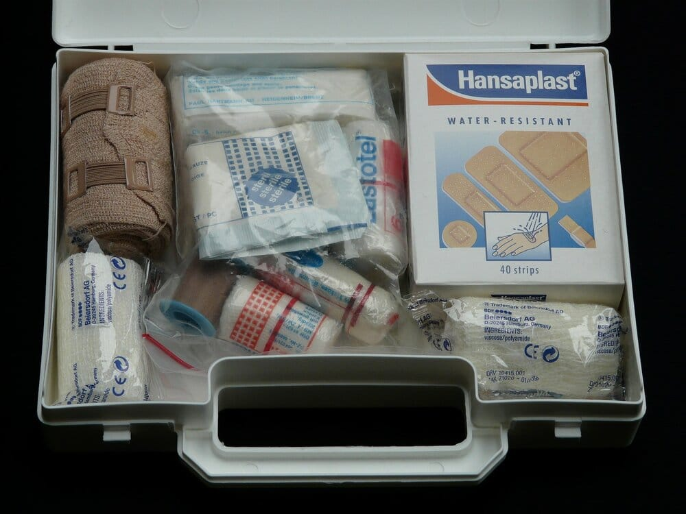 first aid kit 62643 1920