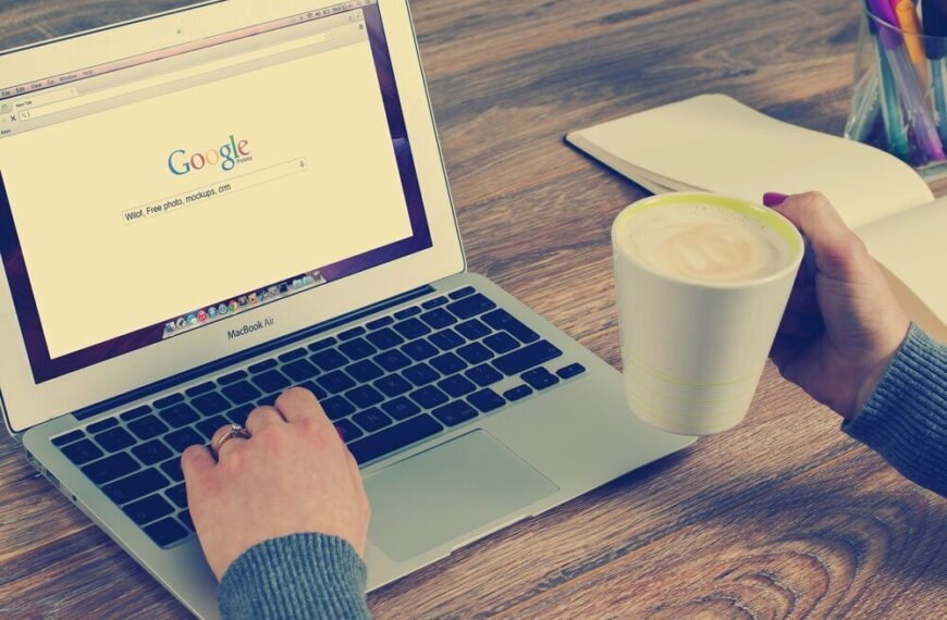 Rise In Women Turning To Dr Google For Health Concerns