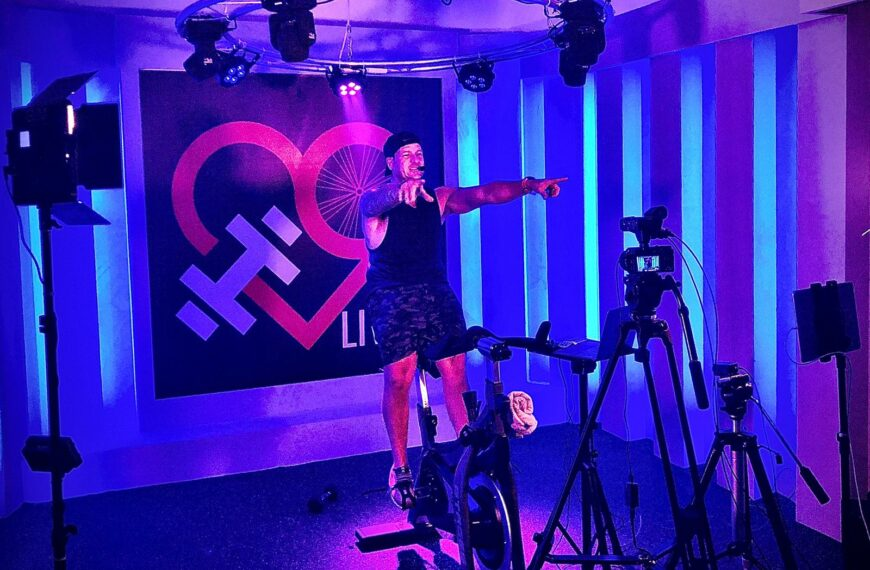 HubLive and LuvCycle Open Own Film Studio!