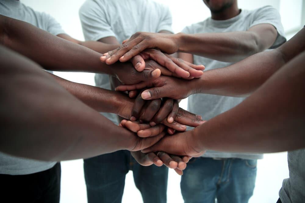 multi ethnicgroupoffriends