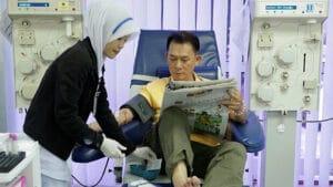 patienthavingbloodpressuretakenbynurse
