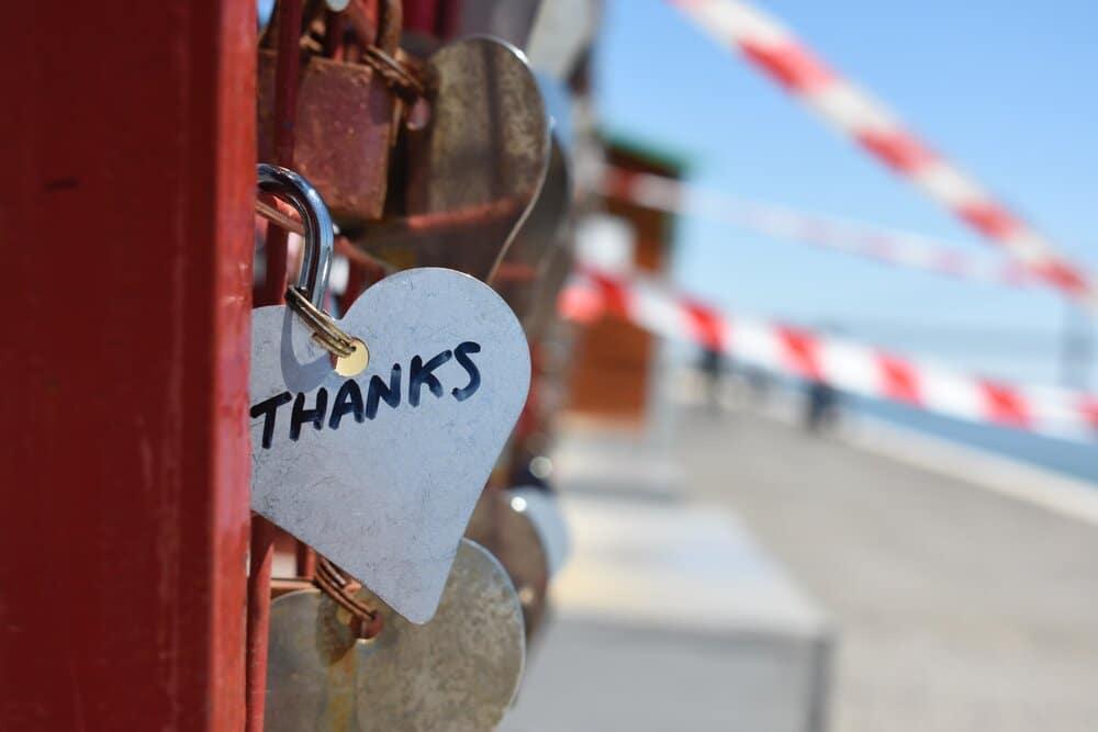 silver colored heart lock bridge 883466
