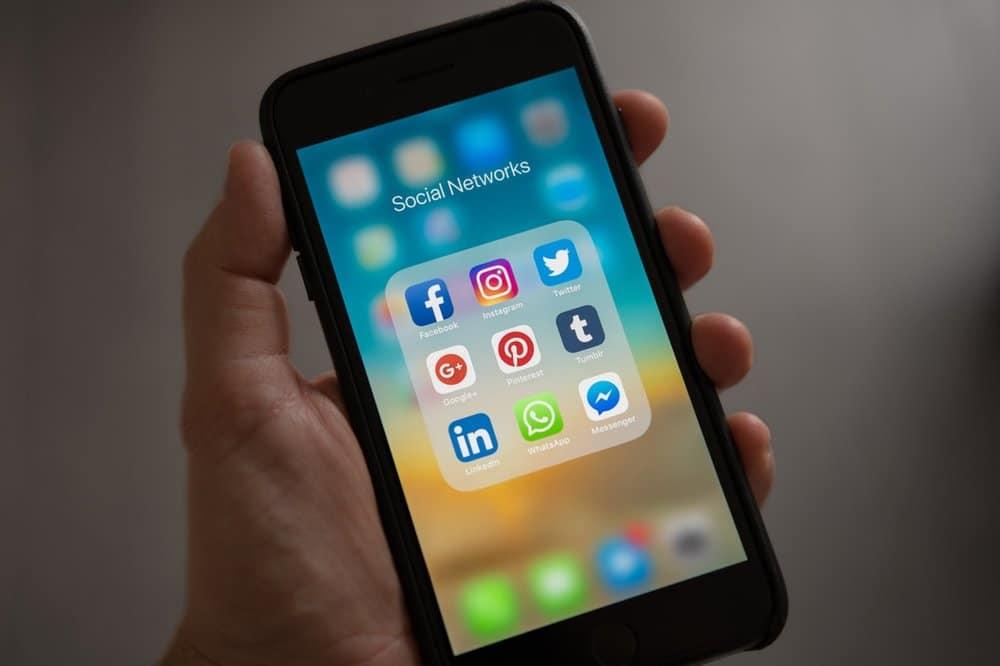 socialmediaonphone