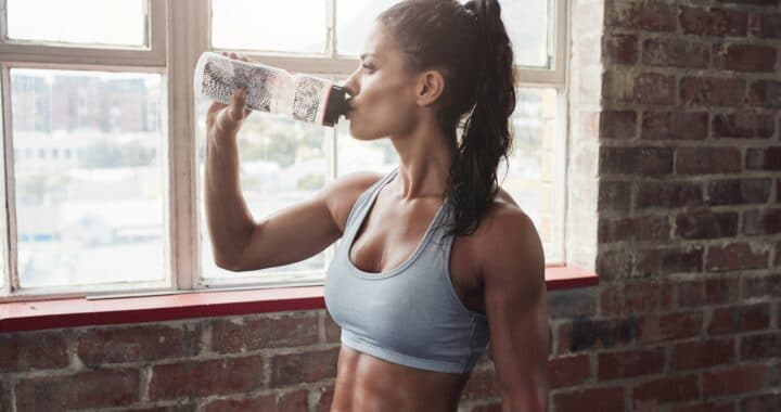 6 of The Best Reusable Water Bottles To Take To The Gym