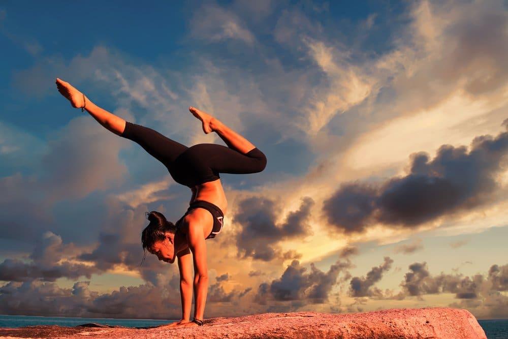 yoga 2116093 1920