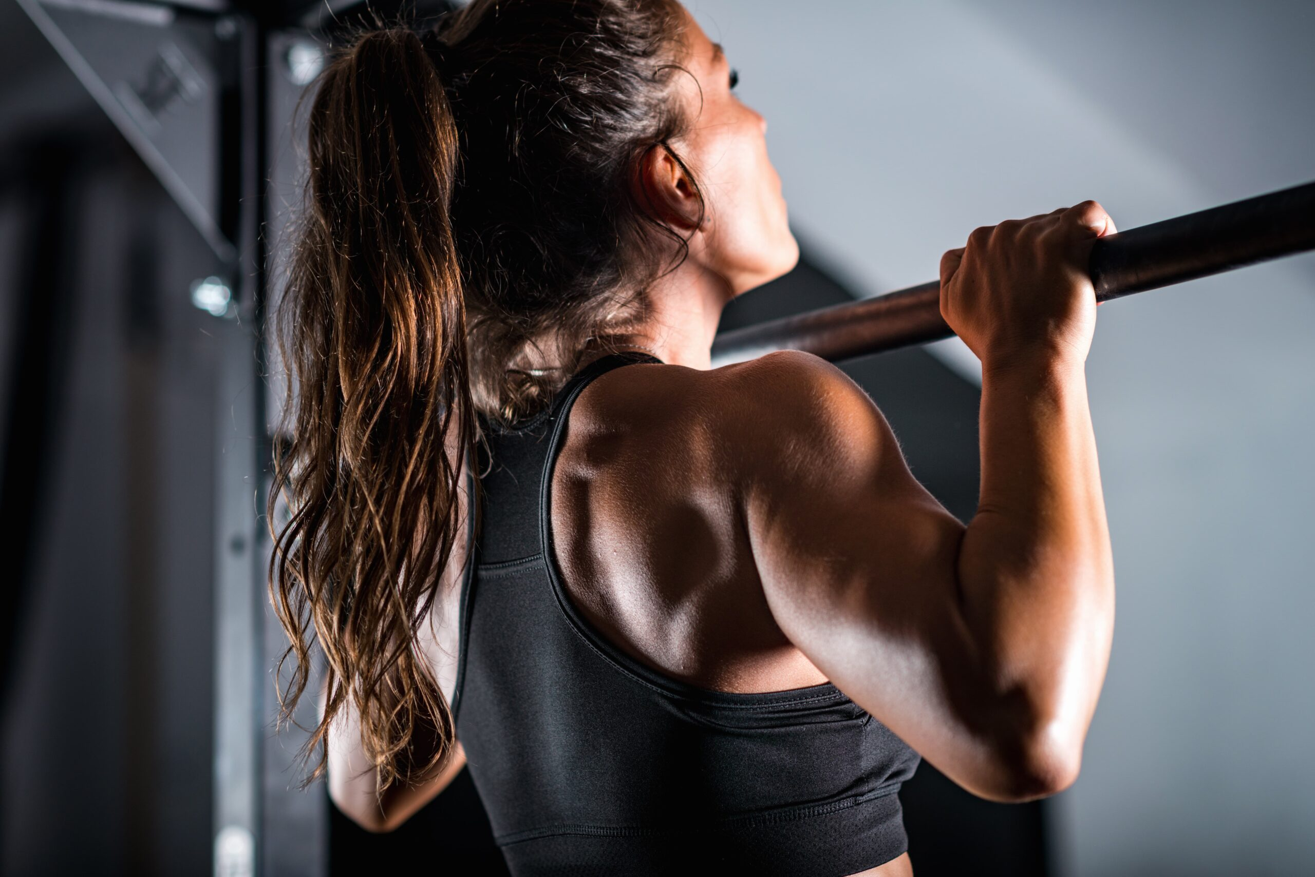 How Women Can Build Up To Doing Pull Ups