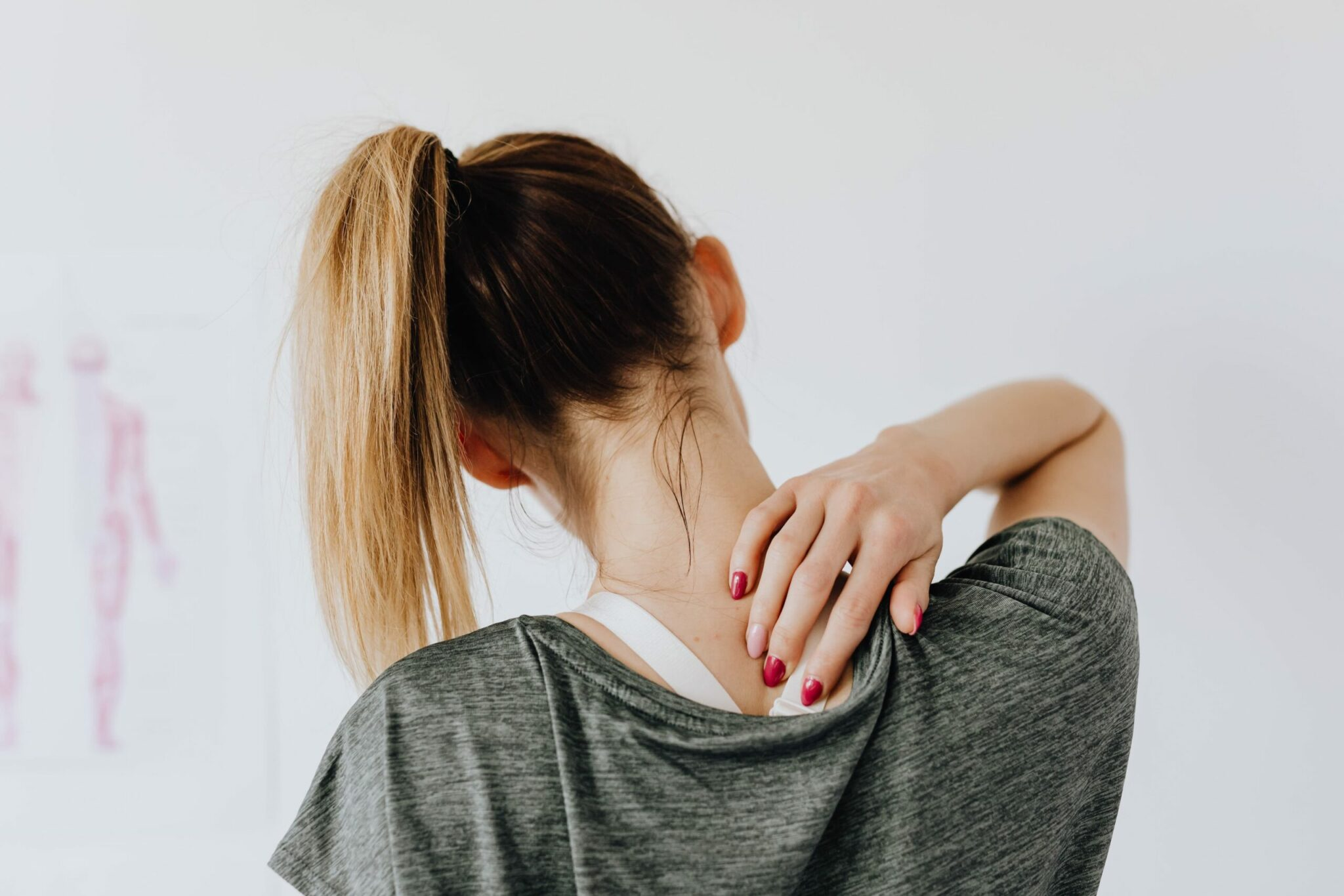 How to stop back pain Turning Into A Debilitating Problem