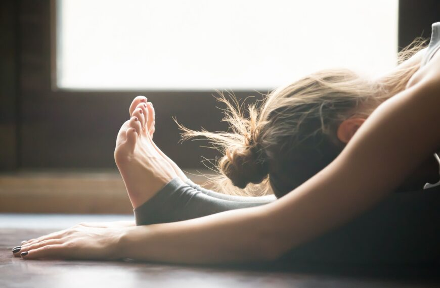 Why A Daily Stretching Routine Was The Best Habit I Adopted During Lockdown