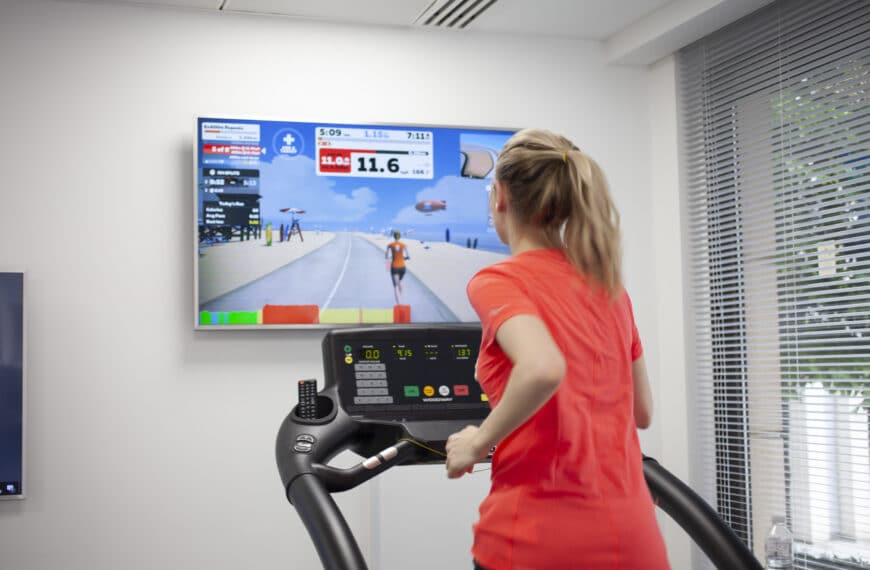 I Tried The Zwift Running Video Game And It Made My Treadmill Workout So Much Less Boring