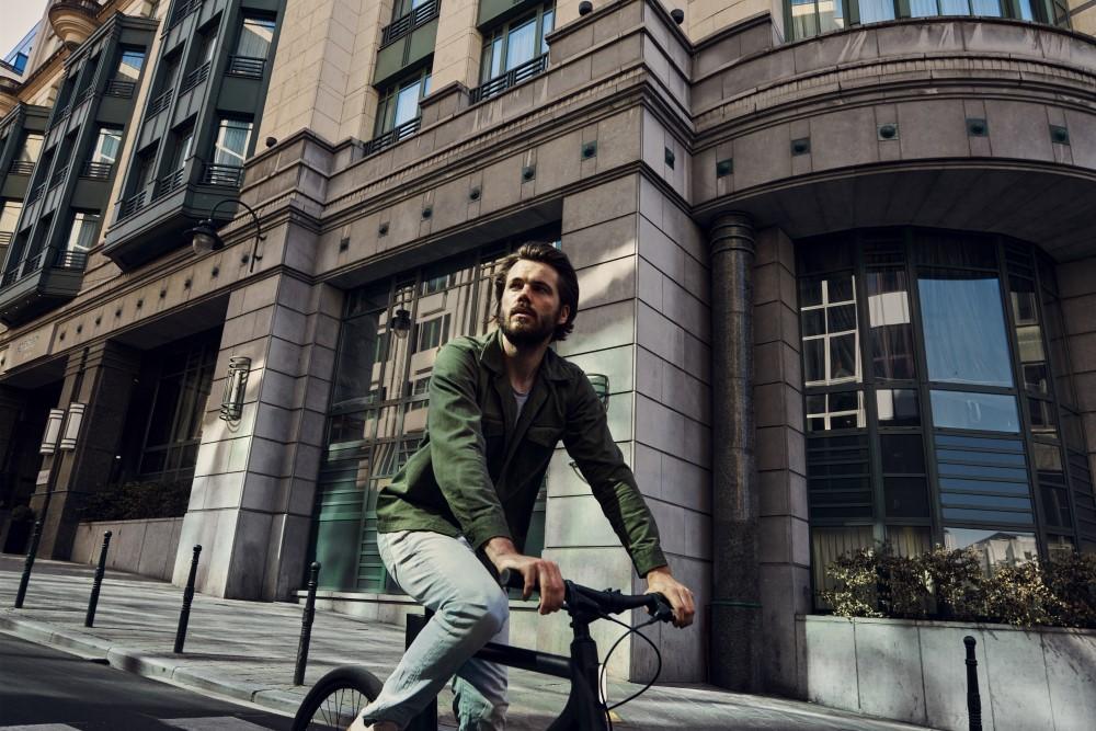 how do i keep safe on my E-bike