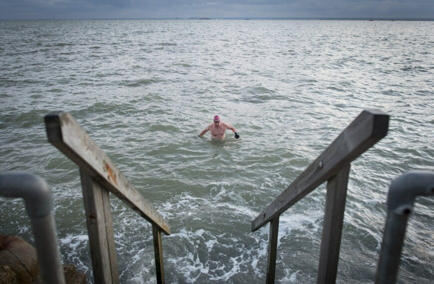 9 Things You Only Know If You've Become Obsessed With Wild Swimming