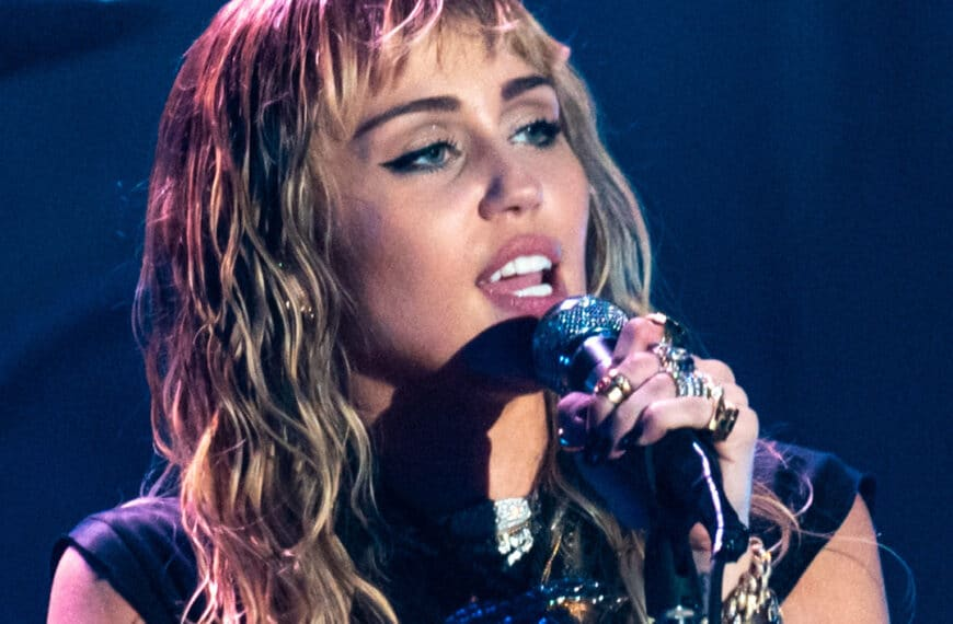 Miley Cyrus To Headline NFL Tiktok Tailgate At Super Bowl LV