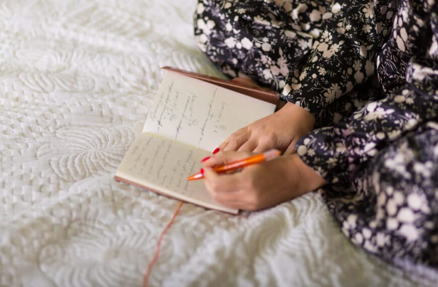 How Writing Down What You're Thankful For Transforms Wellbeing