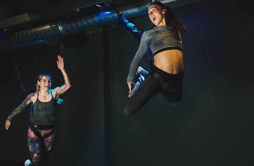 What Is The Mesmerising Bungee Fitness Trend And Should We All Be Trying It?