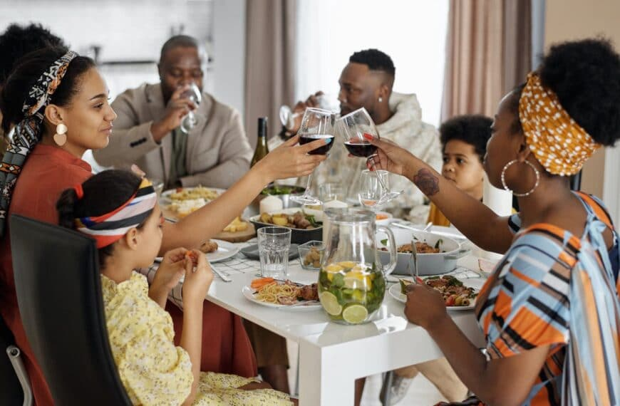 How Enjoying Meals With Loved Ones Can Reduce Obesity