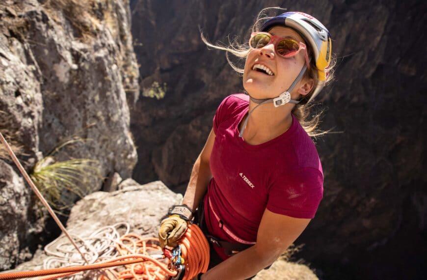 "Sasha Digiulian The First Female To Climb ""Logical Progression"" At El Gigante, Mexico"