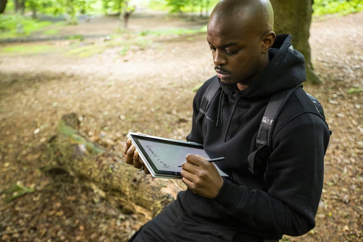 Samsung KX Launches New Campaign To Help Make The Most Of Wild Writing And Working Outdoors This Summer