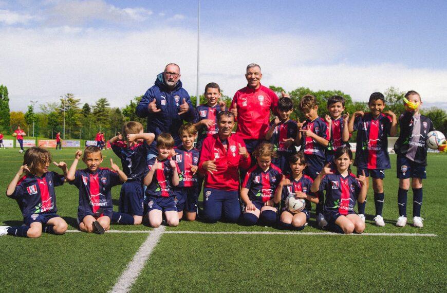 Antoine Griezmann Pays It Forward To His Hometown Club U.F Mâconnais