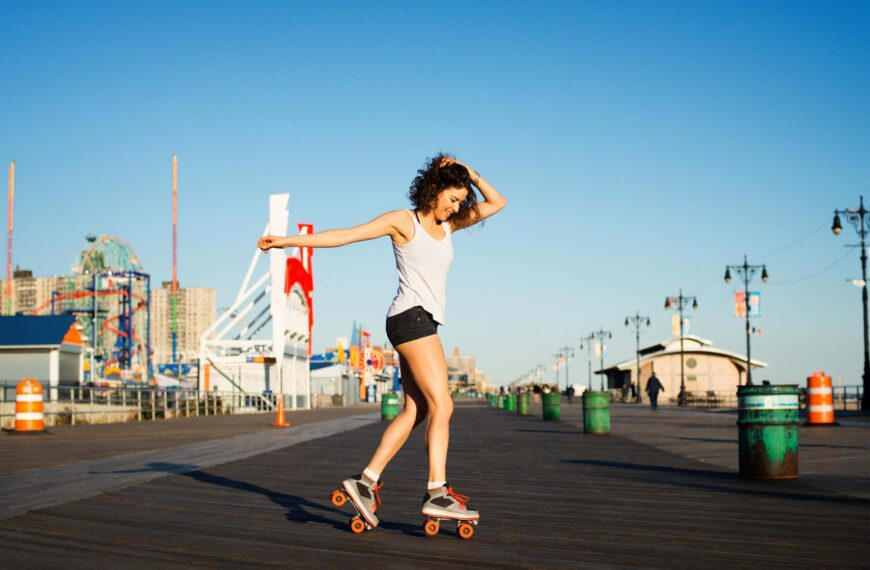 Roller Skating Offers Some Serious Health Benefits – And It's Fun