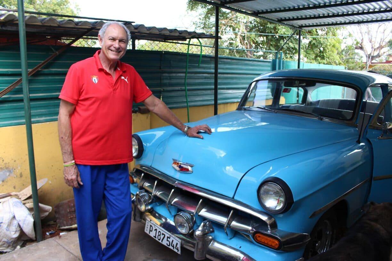 Alberto Juantorena at home with his 1954 Chevrolet Mark Craig 2018