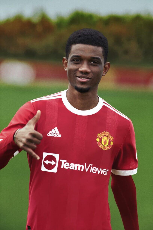 Manchester United 2021:22 Home Kit_1