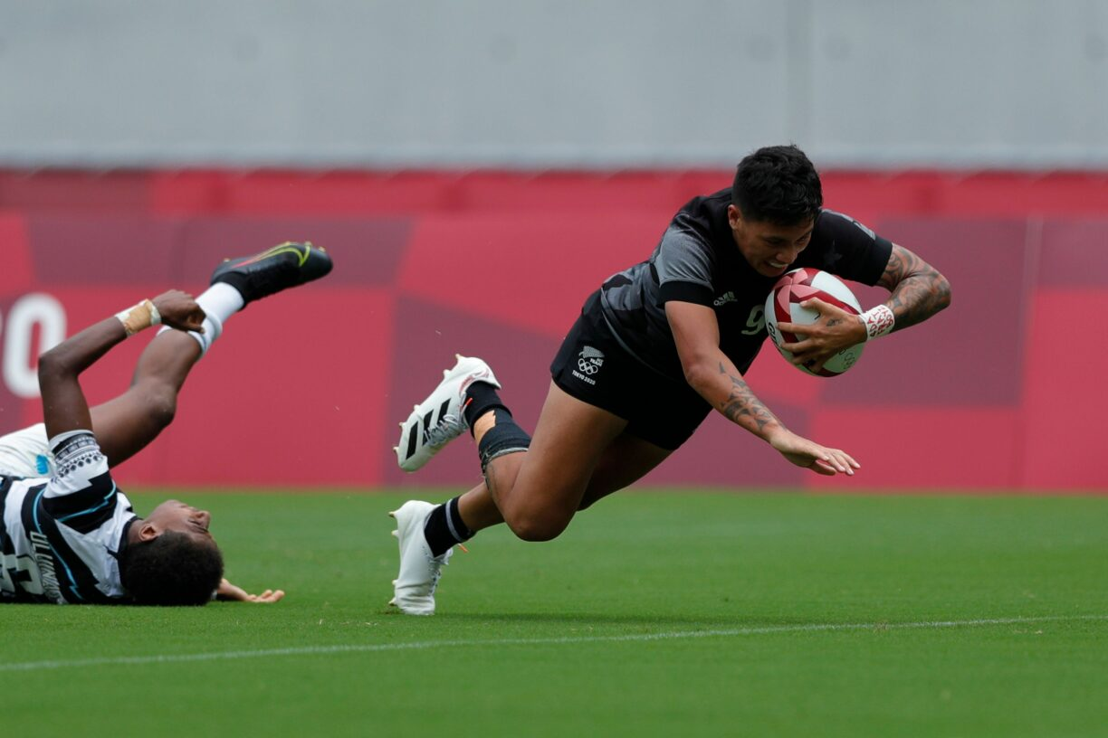 New Zealands Gayle Broughton dives in for the match winning extra time try against Fiji in the medal semi final on day three of the Tokyo 2020 Olympic Games