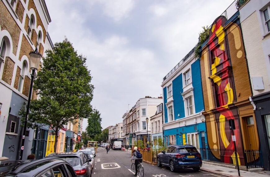 Tastecard Transforms Residential Home In Notting Hill Into A Giant Hot Dog