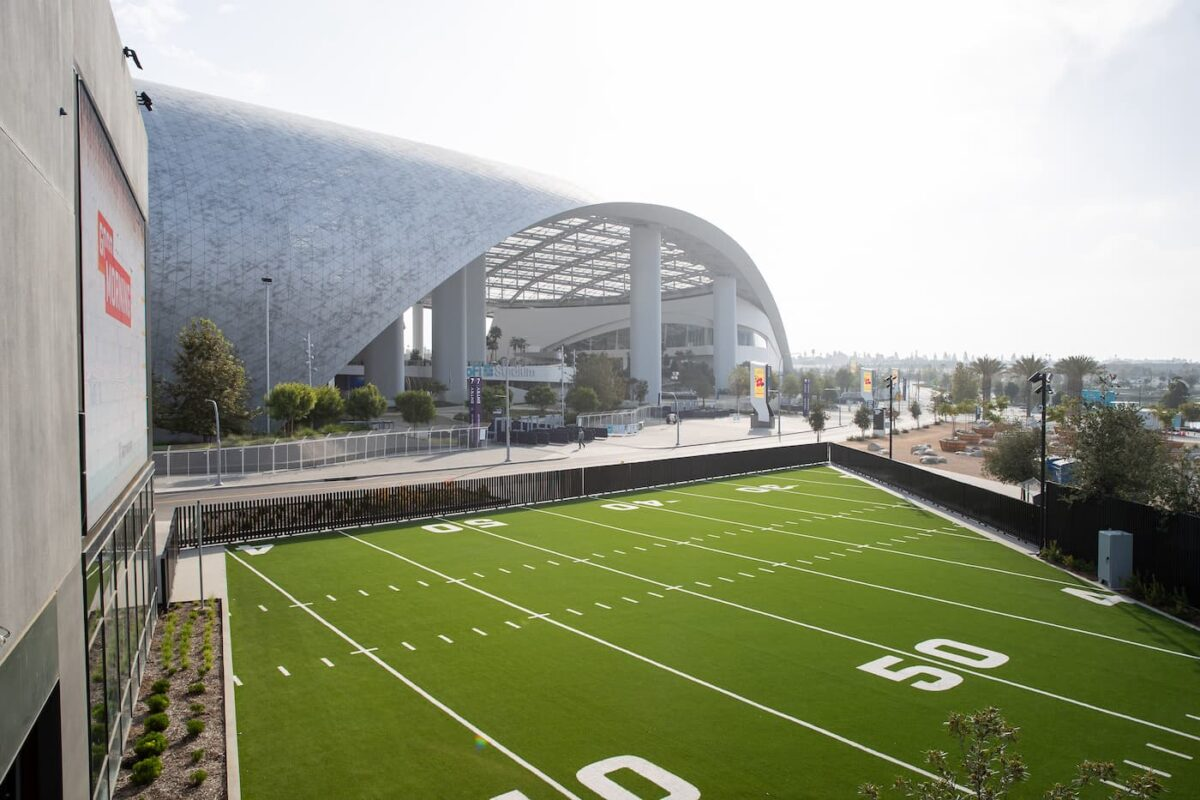 NFL Los Angeles Officially Opens