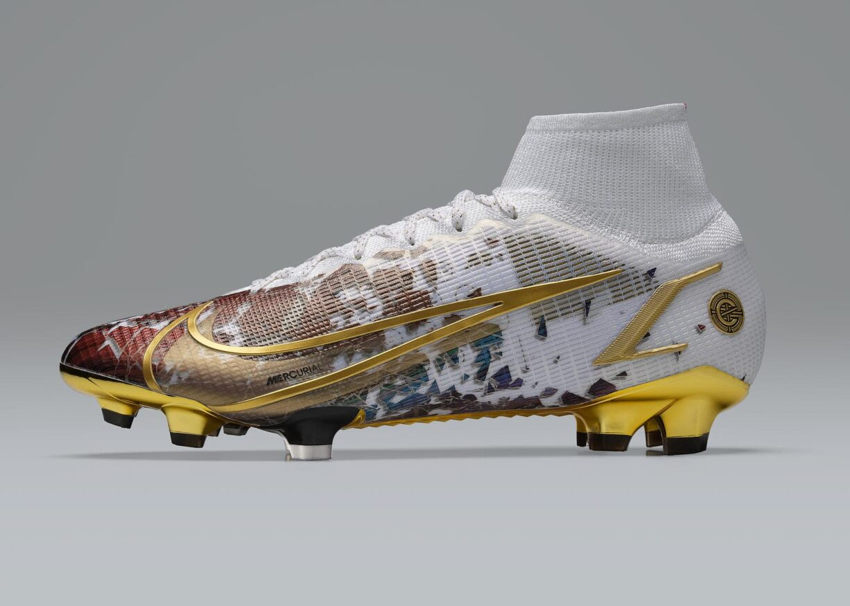 New Pitch for Ronaldo 18