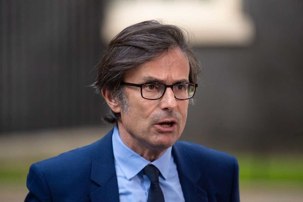 Robert Peston On Journalism, The Pitfalls Of Social Media, And Why He Is 'Deeply Anxious About Society'